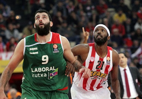 Olympiacos Piraeus v Laboral Kutxa Vitoria Gasteiz - Turkish Airlines Euroleague