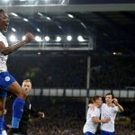 El nigeriano Ahmed Musa fue decisivo en la victoria del Leicester en Goodison Park, ante el Everton (1-2).