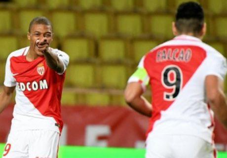 Mbappe, con un hat-trick, y Falcao, con un nuevo doblete, fueron los autores de los 5 goles del AS Mónaco ante el Metz.