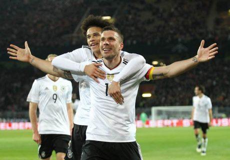 Retirarse tras 130 partidos como internacional, logrando marcar el gol de triunfo de su selección está al alcance de muy pocos jugadores en el mundo. Lukas Podolski lo logró ante Inglaterra.