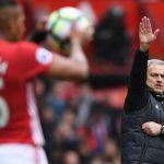 José Mourinho se vengó de su ex equipo, el Chelsea, al que anuló en la victoria del Manchester United en Old Trafford por 2-0.