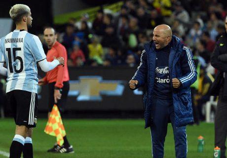 Jorge Sampaoli debutó con victoria ante Brasil, con gol de Gabi Mercado en un afortunado rechace.