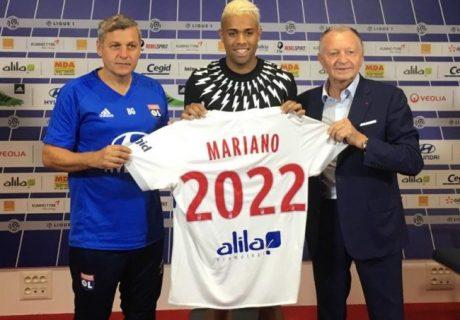 El canterano blanco Mariano llega a Lyon con el difícil objetivo de sustituir a Alexander Lacazette.
