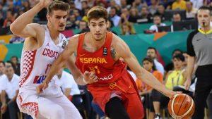 Juancho Hernangómez se deshace de la marca de Dragan Bender en el Croacia - España.