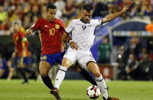 Thiago Alcántara cerró la goleada de España ante Albania con un gol de cabeza.