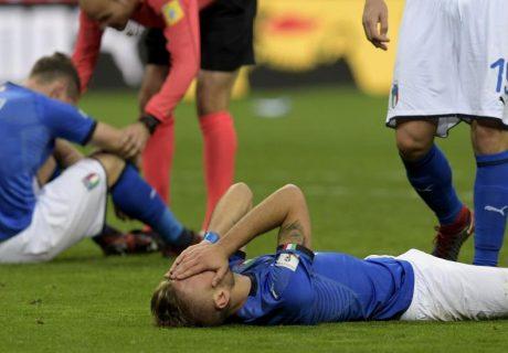 Los jugadores italianos lloraron sobre el césped de San Siro, donde no pasaron del empate a cero ante Suecia.