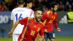 Jordi Alba abrió el marcador con un tanto en el minuto 6, confirmando que es el lateral más goleador de la historia de la Selección Española.
