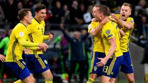Suecia aprovechó su mejor oportunidad ante Buffon para marcar el gol de la victoria en el partido de ida.