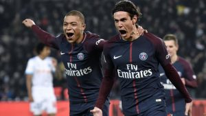 Mbappe y Cavani marcaron dos de los tres goles de la victoria parisina en el Clásico ante el OM.