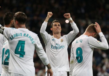 Cristiano Ronaldo marcó su primer hat-trick en la Liga Santander 17-18 en la goleada del Real Madrid sobre la Real Sociedad por 5-2.