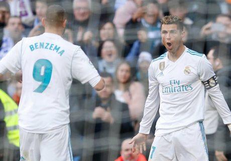 Benzema dio dos asistencias y marcó un gol, mientras que Cristiano Ronaldo marcó un doblete en la victoria por 4-0 del Real Madrid ante el Deportivo Alavés.