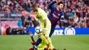 Lionel Messi disfrutó de un doble y hasta triple marcaje por parte de los jugadores del Getafe en el Nou Camp.