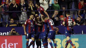 Un hattrick de Boateng y dos goles de Bardhi derrotaron al Barça en Orriols.