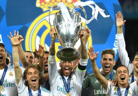 Por primera vez en el actual formato, un equipo gana tres Champions League de forma consecutiva.