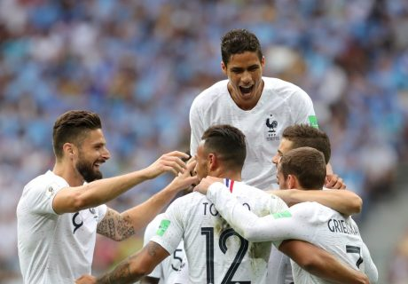 Francia eliminó a Uruguay y jugará ante Bélgica en semifinales.