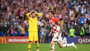 Mario Mandzukic fue uno de los protagonistas de la final, marcando un gol en propia meta y aprovechando un regalo de Lloris para marcar el segundo tanto croata.