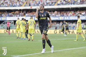 Leonardo Bonucci empataba el partido en un saque de corner que acabó desviando un jugador del Chievo.