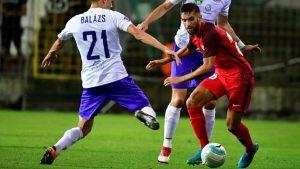El joven Pejiño tuvo una gran actuación con el Sevilla en la cómoda victoria en el campo del Ujpest húngaro.