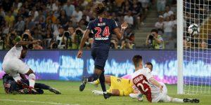 El delantero de PSG Nkunku aprovechó las ausencias en la delantera para marcar uno de los goles parisinos en la Supercopa gala.