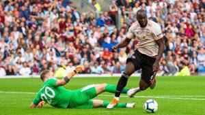 Romelu Lukaku marcó un doblete en la victoria del Manchester United en Burnley.