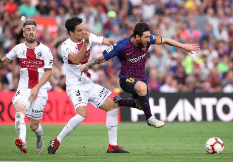 Lionel Messi fue decisivo en la victoria del FC Barcelona ante la SD Huesca por 8-2, marcando dos goles y generando innumerables ocasiones de gol.